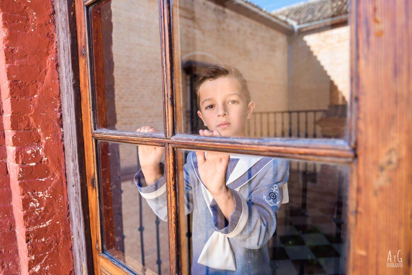 Reportaje de comunion en exteriores en ecija, Sevilla. Fotografos de La Carlota, Cordoba - 2